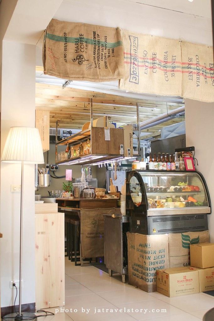 暖暖的 推薦BBQ松阪豬沙拉、檸檬奶油海鮮細麵,新開幕暖暖聚餐餐廳推薦【基隆美食/暖暖美食】 @J&A的旅行