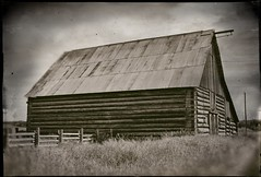 105 Mile House (Crusty Da Klown) Tags: 105milehouse cariboochilcotin bc britishcolumbia canada barn rural wooden wood old building canon digital outside outdoors summer