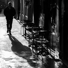 (empunkthapunkt) Tags: people man loner oneperson alone streetlife streetphotography blackandwhite bw bwstreet monochrome shade shadows backlight dark mood atmosphere walking urban menschen mann alleine einzelgänger strasenfotografie schwarzweiss schwarz weis light schatten licht dunkel gegenlicht stimmung atmosphäre einfarbig