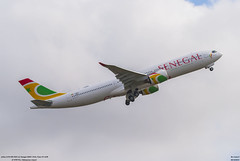 airbus A330-900 NEO Air Senegal (F-WWYN) (MSN 1923), Futur 6V-ANB (lucas slow) Tags: avions ciel cockpit photo spotting airport chr lflx châteauroux takeoff landing taxiing turboréacteurs winglets roues transport airbus a330900 neo a330 a339 air senegal fwwyn msn 1923 6vanb