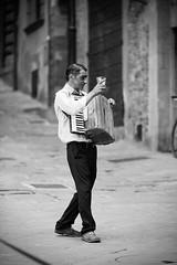 Street (Mario Bertocchi) Tags: bn bw mariobertocchi canon reflex portrait luce fisarmonica street arezzo piazza musica musicante strada artista