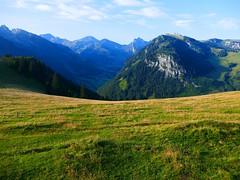 bei Obers Blaachi, Zwischenflüh Diemtigen (Diemtigtal, Meniggrat) (Martinus VI) Tags: tags hinzufügen diemtigtal diemtigen zwischenflüh august y190831 wanderung bergwanderung keymahi0068 kanton de canton bern berne berna berner bernese schweiz suisse suiza switzerland svizzera swiss martinus6 martinus6xy martinus vi hillside