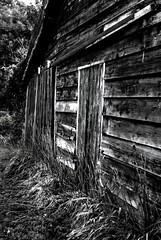 house of wood (Torquemada1965) Tags: wood parking preselectcom peugot mini mclaren karl ludwig bmw z4 mottoguzzi ferrari honda cb750 alfaromeo 8c westkapelle dike diggerworker