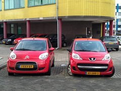 C1 and 107 Twins (harry_nl) Tags: netherlands nederland 2019 citroën c1 1kkv89 peugeot 107 81jhr3 nieuwegein
