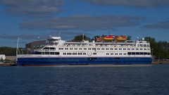 013 -1crpvib (citatus) Tags: inland passenger vessel victory 1 bahamian flag eastern gap toronto canada harbour harbor wards island fall afternoon 2019 pentax k1 ii i ship
