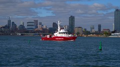 026 -1crpvib (citatus) Tags: fire rescue boat wm thornton east end toronto harbour harbor canada eastern gap fall afternoon 2019 pentax k1 ii