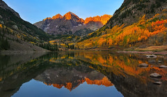 Feast of Gold (Ania Tuzel Photography) Tags: autumnpalette fall elkmountains colorado landscape maroonbells mountainpeak morning sunrise mirrorreflections aspen