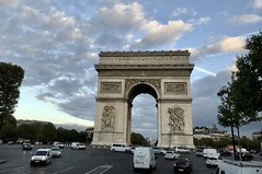 #Paris #France2017 (Σταύρος) Tags: cloudy traffic street st archdetriomphe roadtrip arcdetriomphe france2017 paris france rtw worldtraveler roundtheworld vacation vacanze holiday globetrotter city clouds avenuedeschampselysées deschampselysées champselysées 8tharrondissement 8émearrondissement