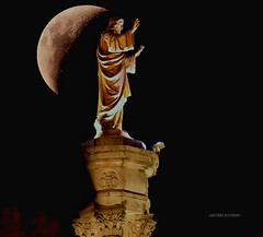 Jesus Portugal Fatima (Arcieri Saverio) Tags: jesus gesù cristo moon moons moonlight luna lunapiena portogallo pourtugal night nikon d5300 notte light lisbona lisboa fatima astronomia