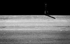 (empunkthapunkt) Tags: people man loner alone oneperson streetlife streetphotography blackandwhite bw bwstreet noir dark light shade shadow monochrome menschen mann alleine einzelgänger strasenfotografie schwarzweiss schwarz weis einfarbig dunkel licht schatten mood atmosphere stimmung atmosphäre