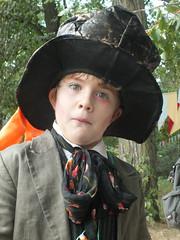 DSCF3197 (Benoit Vellieux) Tags: france lyon festivalyggdrasil cosplay garçon boy junge hautdeforme tophat zylinderhut chapelierfou madhatter derverrücktehutmacher