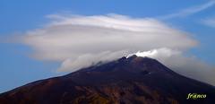 Etna (fr@nco ... 'ntraficatu friscu! (=indaffarato)) Tags: italia italy sicilia sicily catania etna montagna mongibello monte cratere crater fumo nuvole nuvola