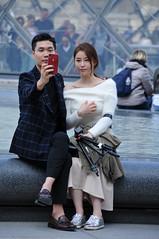L'important c'est l'accessoire (jeangrgoire_marin) Tags: couple chic fashion fasionista elegant elegance classe class classy asian