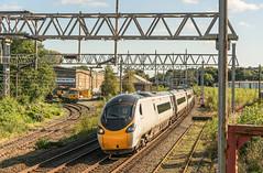 Treno Bianco (Kingmoor Klickr) Tags: gordonedgar 08229 d3290 56060 56069 pendolino 390151 virgin trains electromotive longport class56 class390