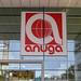 Anuga Banner mit Logo an der Glasfront der Kölnmesse