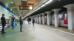 P1040946 (72grande) Tags: rotterdam ret metro stationbeurs metrolijnd metrolijne rnet