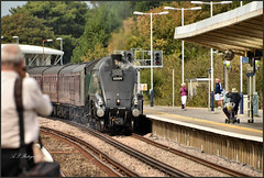 05.09.19 Weymouth Station..60009 Union of South Africa and 47802 on rear.... (A.P.PHOTOGRAPHY.) Tags: 050919weymouthstation60009unionofsouthafricaand47802onrear railway locos steam weymouthstation unionofsouthafrica 60009 class47 diesel 47802 nikon18300lens