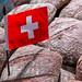 Schweizer Flagge erobert Backwaren: Brotlaib mit Schweizer Fahne