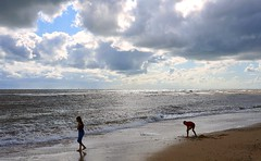 Playing on the beach at Southwold, Suffolk (Snapshooter46) Tags: suffolk playing beach southwold northsea sand