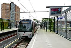 P1050014 (72grande) Tags: schiedam hoekselijn metrolijnb stationschiedamnieuwland ret rnet