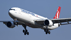 085A3273 TC-JOB at JNB. (midendian) Tags: airport aircraft airplane jnb ortambo feat johannesburg ortia