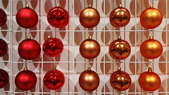 20181013_140148 [ps] - Lazy in Red (Anyhoo) Tags: anyhoo photobyanyhoo london england uk johnlewis shop display product sales christmas decorations bauble baubles shiny reflection round balls repetition colourful multicolour multicoloured multicolor multicolored red brown orange shadows