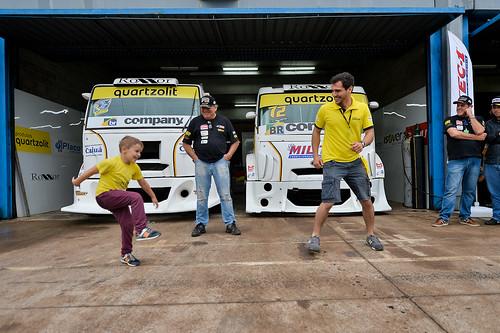 05/10/19 - Nem a chuva nem o frio espantou o público apaixonado pelo Copa Truck da visitação deste sábado - Fotos: Duda Bairros