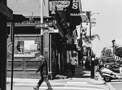 Polk Street, San Francisco (Postcards from San Francisco) Tags: konicahexaraf kosmofotomono rodinal film analog sanfrancisco california