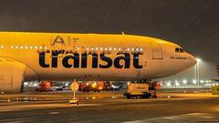 P3101630-2 TRUDEAU -  ITS SNOWING (hex1952) Tags: yul trudeau canada transat airtransat airbus a330 winter