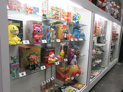 2019 NYC Comic Con Javits Center Toy Tokyo Booth 4436 (Brechtbug) Tags: 2019 nyc comic con interior jacob javits center toy tokyo booth lower east side 2nd ave collectable figures toys action figure japan japanese anime vinyl pop culture popular funko stuff gallery art asian asia custom kidrobot kid robot