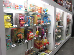 2019 NYC Comic Con Javits Center Toy Tokyo Booth 4437 (Brechtbug) Tags: 2019 nyc comic con interior jacob javits center toy tokyo booth lower east side 2nd ave collectable figures toys action figure japan japanese anime vinyl pop culture popular funko stuff gallery art asian asia custom kidrobot kid robot