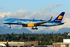 CYVR - Icelandair B757-200 TF-FIR (CKwok Photography) Tags: yvr cyvr icelandair b757 tffir