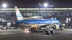 085A3379 PH-BQD at JNB. (midendian) Tags: airport aircraft airplane jnb johannesburg feat ortambo ortia