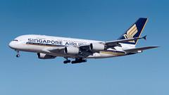 9V-SKK (gankp) Tags: airbus 9vskk singaporeairlines a380841 airbusa380841 johnfkennedyinternationalairportjfk arrivals a380
