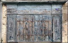 Les volets fermés (BrigitteChanson) Tags: volets bois texture persiane legno shutter