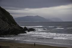 dia de nubarrones (eitb.eus) Tags: eitbcom 16540 g1 tiemponaturaleza tiempon2019 playa bizkaia sopelana andoniaza