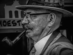 Brussels-Moustache-4 (foto_morgana) Tags: pipe pijp smoking fumer roken belgië belgique belgium blackwhitephotography brussel brussels brusselshoofdstedelijkgewest bruxelles caractère character folklore grandplace grotemarkt hat hoed karakter on1photoraw2019 outdoor people personality persoonlijkheid portrait portret monochrome moustache snor topazstudio2 zwartwitfotografie explore