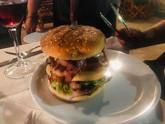 The XXL Burger (RobW_) Tags: formidable xxl burger freddiesbar tsilivi zakynthos greece monday 30sep2019 september 2019