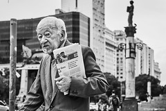 Mann (rainerneumann831) Tags: bw blackandwhite street strase streetphotography candid strasenfotografie monochrome urban ©rainerneumann riodejaneiro mann
