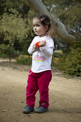 (louisa_catlover) Tags: karwarra karwarraaustraliannativebotanicgarden botanicgarden garden native outdoor nature kalorama dandenongs melbourne victoria australia portrait family child toddler daughter tabby tabitha