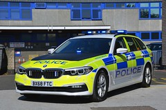 BX68 FTC (S11 AUN) Tags: leicestershire leics police bmw 530d xdrive 5series touring anpr traffic car rpu roads policing unit 999 emergency vehicle bx68ftc