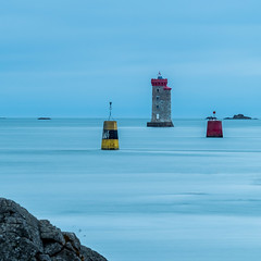 phare Loquivy (françoispeyne) Tags: bretagne côtedarmor enfrance loquivy mer phare balises pause longue