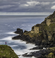 Contemplating the Crowns Engine Houses in Botallack, UK (Julien Bihan) Tags: cornwall cornouailles botallack mines poldark landscape waves long exposure mood paysage uk angleterre canon beach water sky nature green light clouds sea