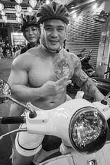 (kuuan) Tags: voigtländerheliarf4515mm manualfocus mf voigtländer15mm aspherical f4515mm superwideheliar apsc sonynex5n saigon hcmc vietnam street muscle portrait bw motorcycle bodybuilder
