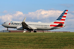 N866NN American 737-823W at KCLE (GeorgeM757) Tags: american n866nn 737823w boeing kcle clevelandhopkins georgem757 canon70d aircraft aviation airplane airport landing