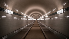 St Pauli Tunnel (Bastian.K) Tags: tunnel hamburg sankt pauli st elbe elbtunnel sigma 35mm 12 dof bokeh