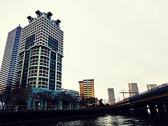 (Human-Faced Bun & Honey Pudding) Tags: cityscape city scene skyline sea building architecture seabus ferry sky canal tower