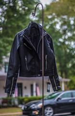 Black to black purchases? - 2019-10-05_26 (Paul and Nalva) Tags: nx500 samsungnx500 fultoninfocusphotowalk