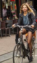 earphone 4 (Henk Overbeeke Atelier54) Tags: girl street candid bike bicycle bicicletta fiets fahrrad vélo longhair earphone nylons miniskirt