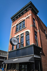 Elliot's (tim.perdue) Tags: newark ohio small town downtown square city urban decay street alley building licking county courthouse nikon d5600 nikkor 18140mm detail sign store storefront shop